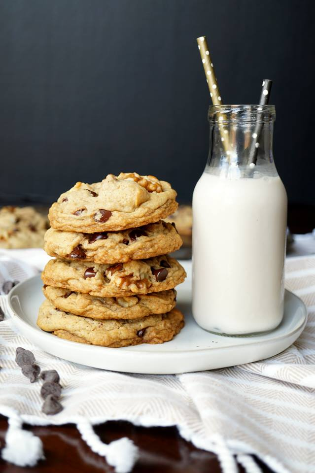 #Choctoberfest 2018 best vegan recipes - Levain Chocolate Chip Walnut Cookies